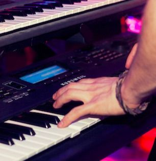 piano player booking